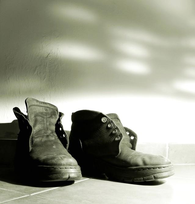 salzflecken entfernen auto kleidung teppich fliesen leder schuhe mit hausmitteln reinigen. Black Bedroom Furniture Sets. Home Design Ideas