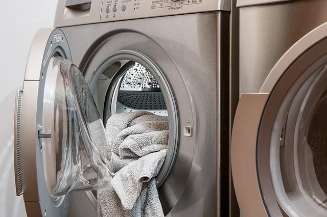 waschmaschine entkalken hausmittel zitronens ure essig entfernen kalkablagerungen. Black Bedroom Furniture Sets. Home Design Ideas